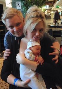 Finaste lilla familjen; Martina och Johan med sin lilla Nova